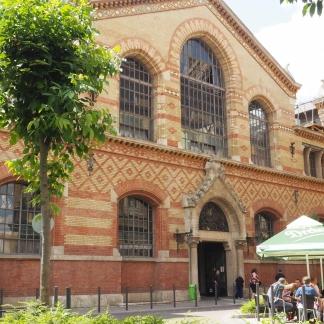 Great Market Hall from outside / Große Markthalle von Außen